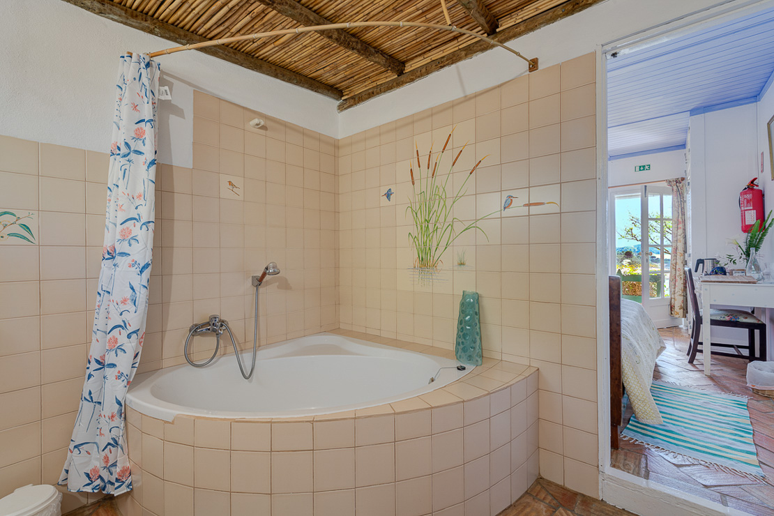 Large bathrooms deserve large baths!